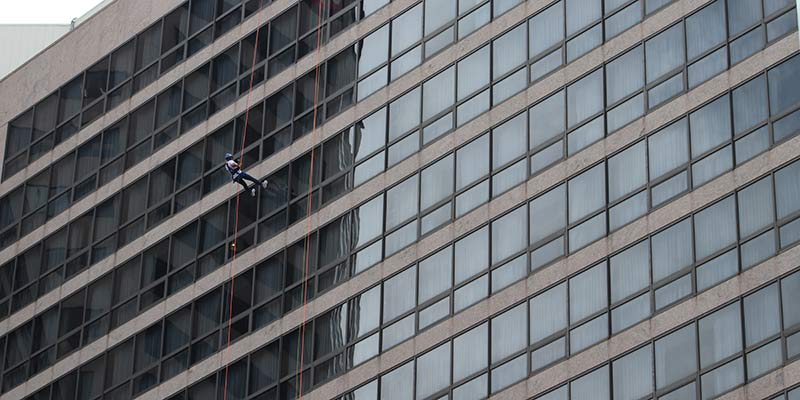 rappel 17 stories down the side of a building